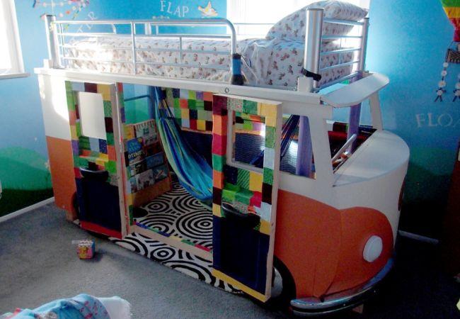 Volkswagen Bus Bed by Redditor 'inexplorata'_8