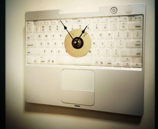 Apple Laptop Keyboard Wall Clock_2