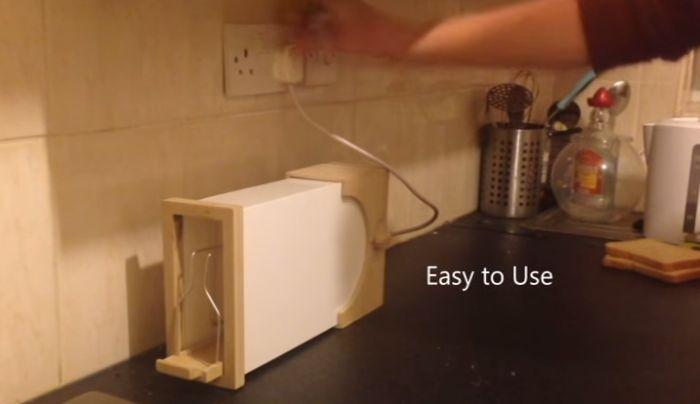 CI Toaster by Daniel Deyermond_2