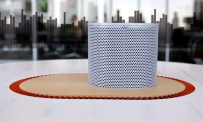 Listening table by New York Times Labs_2
