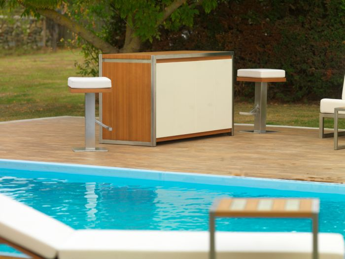 Multifunctional Mobile table for outdoor parties_1