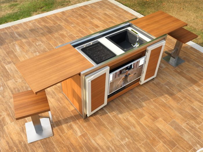 Multifunctional Mobile table for outdoor parties_2