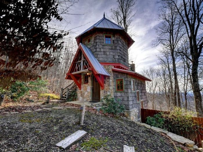 Three-story castle Hobbit House is 850 square feet_1