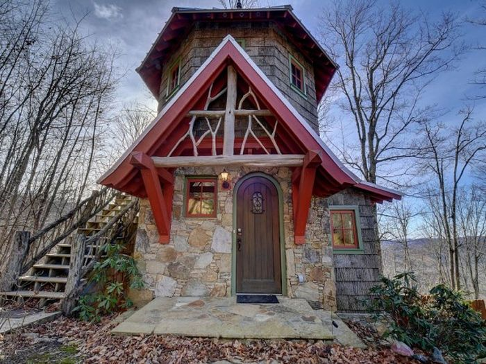 Three-story castle Hobbit House is 850 square feet_16
