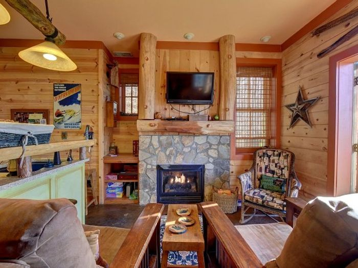 Three-story castle Hobbit House is 850 square feet_7