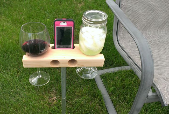 Wine Glass Holder and Smartphone Dock Speaker_1