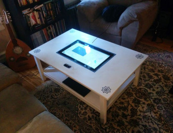 HEMMES multi-touch table by Jules_1