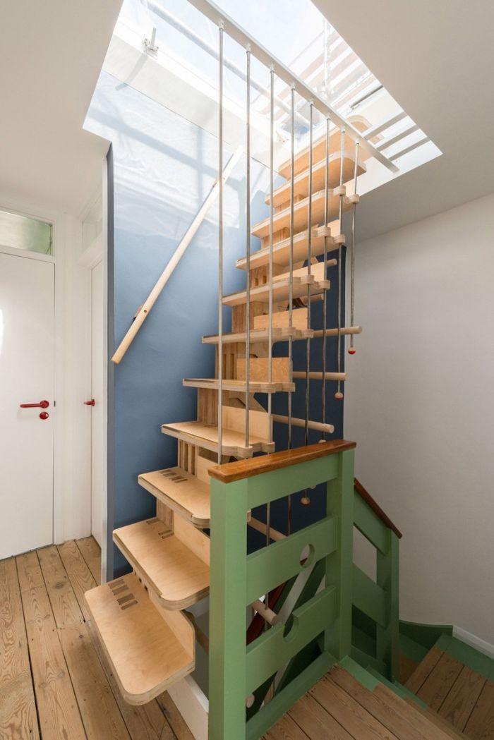 Stairs made of interlocking parts_2