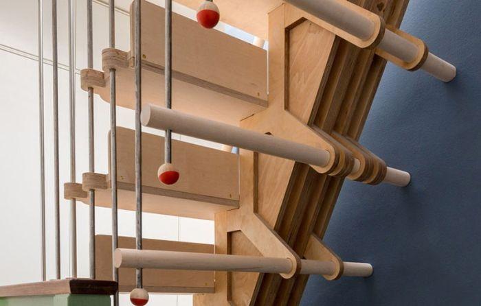 Stairs made of interlocking parts_5