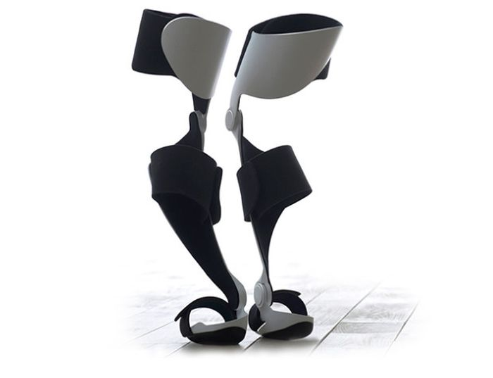 Archelis wearable chair