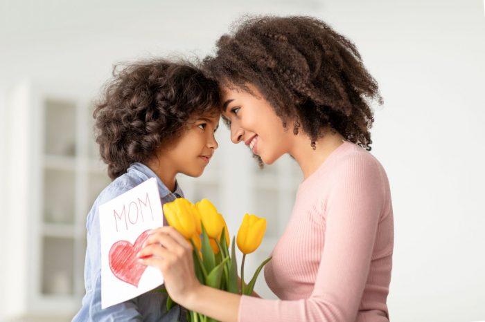 gifting tulips